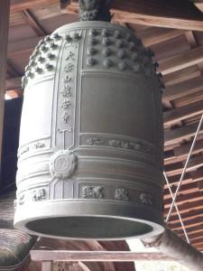 колокол храма японии