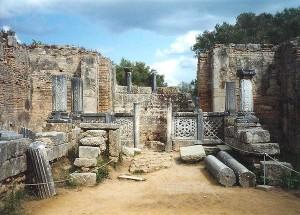 Руины мастерской Фидия, где он создавал статую Зевса