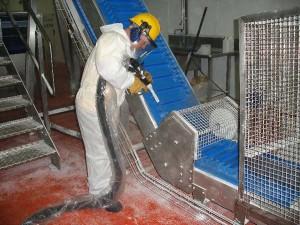 Очистка сухим льдом оборудования