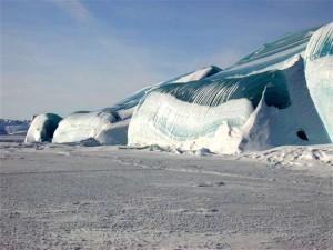 Замерзшее-цунами-01
