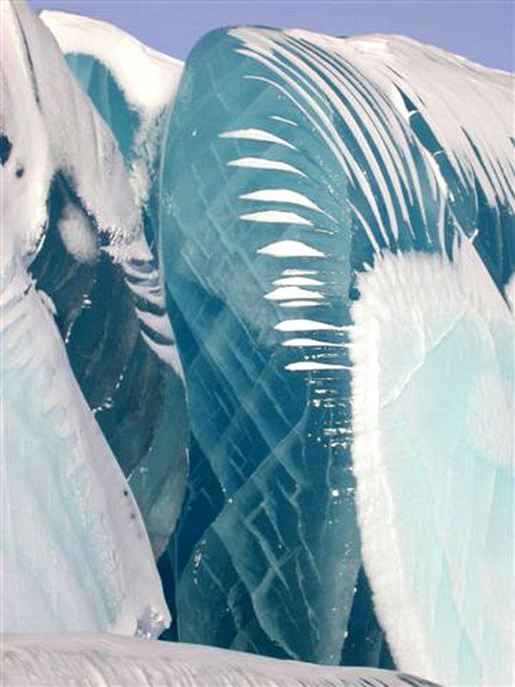 Замерзшее-цунами-03