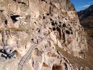 Пещера монастырь Вардзиа в Грузии